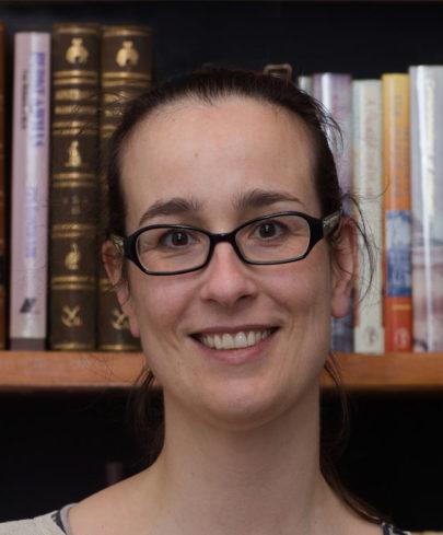 Dr Josara de Lange